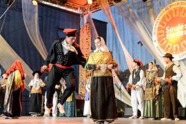Un momento de la actuación del grupo de ball pagés Es Broll en Lituania.