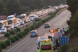 Fallece uno de los implicados en el accidente del vehículo que atravesó la mediana en la autopista del aeropuerto