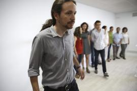 Pablo Iglesias pide retrasar un vuelo ante la posibilidad de llegar tarde
