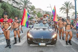 VÍDEO: El Ibiza Gay Pride le devuelve el color perdido a Eivissa