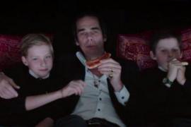 Muere el hijo del cantante Nick Cave al caer por un acantilado