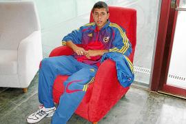El internacional Sergi Mut se une a la Peña Deportiva