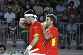 Rusia gana el dobles y reduce a 2-1 la ventaja española