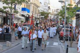 Sant Antoni pasea su fervor por el mar