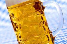 La cerveza es, junto al agua, una de las bebidas que aporta más hidratación
