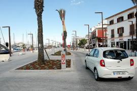 Los vecinos de la fachada marítima protestan por no disponer de parking en es Martell