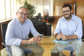 """Vidal se compromete en Eivissa a acelerar """"al máximo"""" la tramitación del Plan de Sequía"""