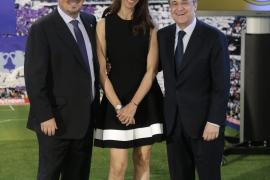 Mourinho contesta a la mujer de Benítez: «Si se preocupara de la dieta de su marido, tendría menos tiempo para hablar»