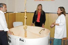 Patricia Gómez visita el Hospital de Inca