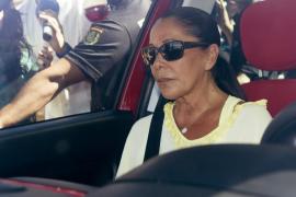 Isabel Pantoja, ingresada en un hospital