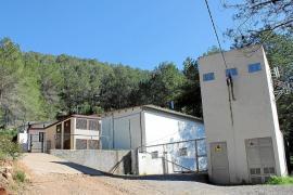 Sant Josep recibe 500 toneladas más de agua de Vila y Empresas Matutes