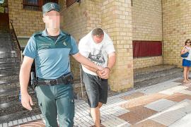 A prisión siete detenidos por la Guardia Civil en la bahía de Sant Antoni