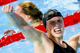 Ledecky hace historia con su quinto oro en Kazán