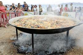 Paella gigante de 80 kilos de arroz