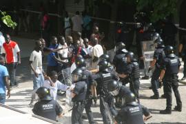 Enfrentamiento entre senegaleses y los Mossos d'Esquadra en Salou