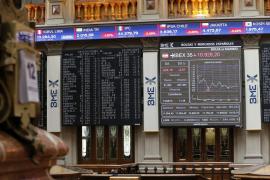 La devaluación del yuan provoca la mayor caída del Ibex 35 en mes y medio