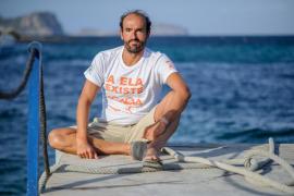 Jaime Caballero dará la vuelta a nado a Eivissa por el ELA