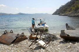 El Gobierno declara la emergencia para limpiar el litoral pitiuso