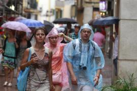 Alerta por posibles lluvias y tormentas este sábado en Balears