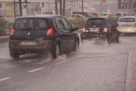 Una tormenta de verano provoca el colapso en Vila