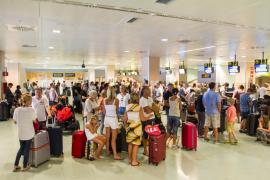 Las Pitiüses superan los 1,5 millones de turistas hasta julio, un 2,5% más que en 2014