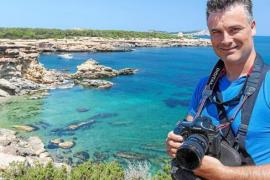 Miguel Ángel Álvarez:«Hay miles de personas que han conocido el paraíso. Han vuelto a casa con otra idea sobre Eivissa»