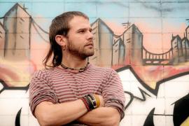 Cesk Freixas: «Haré un repaso de mis cinco discos en un formato muy íntimo, solo yo con mi guitarra »
