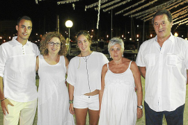 Cena de verano de blanco en el Club Náutico Portixol