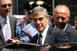 Clooney testifica en  Milán por un caso de fraude
