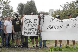 «Seguiremos protestando mientras haya taxis ilegales quitándonos el trabajo»