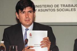 Anticorrupción pide a la juez que impute al exministro Manuel Pimentel en el caso de los ERE