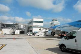 Tres de los cuatro 'fingers' del aeropuerto están fuera de servicio