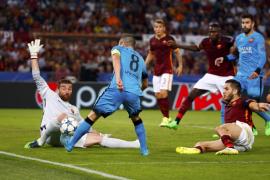 Un Barça blando se ve sorprendido por un Roma que empató con un golazo