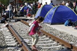 La llegada de más de 7.000 refugiados colapsa la frontera de Croacia