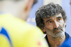 Gino, feliz por vencer al Teruel pero con los pies en el suelo