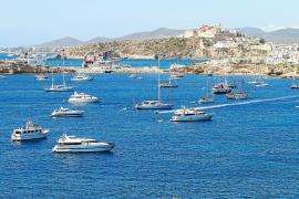 La Estación Náutica denuncia que los chárters 'piratas' ya superan a los legales