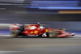 Vettel logra la primera 'pole' para Ferrari en más de tres años