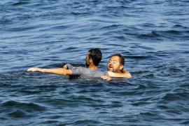 Un griego anónimo salva a un refugiado afgano de morir ahogado en el mar Egeo
