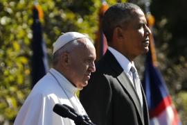 El papa urge a cambiar un «sistema» que excluye a millones de personas
