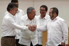 Santos y las FARC se dan  seis meses para firmar la paz en Colombia
