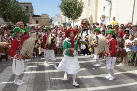 Los 'Cavallets' muestran su danza ancestral