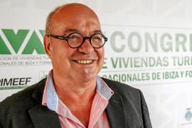Roberto San Estaban: «El problema es que los apartamentos se alquilan a gente que viene de fiesta»