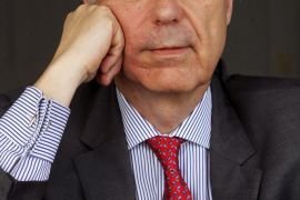 Luis Alberto de Cuenca,Premio Nacional de Poesía