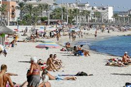 El Govern suaviza el impuesto turístico