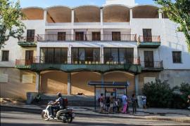 Vila empieza las obras de demolición de la antigua delegación del Gobierno