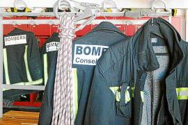 Los Bomberos rescatan a un niño que se quedó encerrado con un fuego encendido