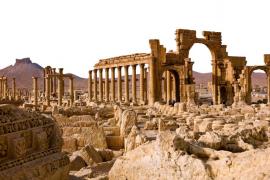 El Estado Islámico destruye el Arco del Triunfo de Palmira