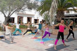 VÍDEO: Yoga, danza y comida saludable en Formentera Zen