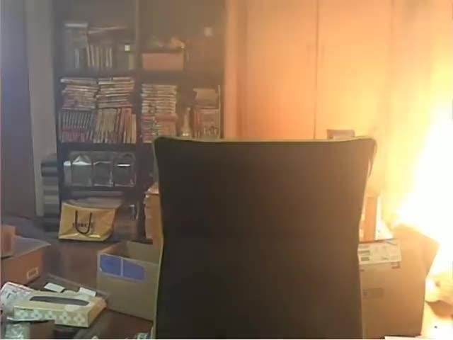 Prende fuego a su casa mientras se graba jugando