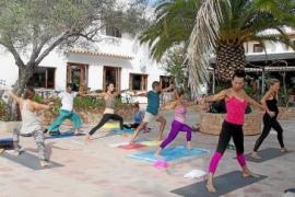 Yoga, danza y comida saludable en Formentera Zen